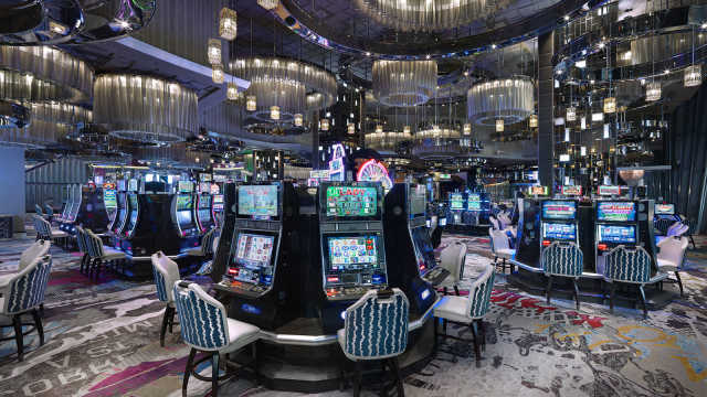 Ten Key Ways The professional's Use For Casino