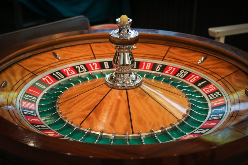 Picture Your Online Casino On High. Read This And Make It So